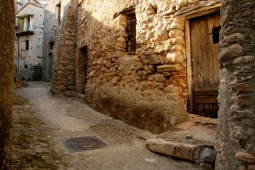 Un vicolo dell'antico borgo - Riace(Rc) agosto 2010